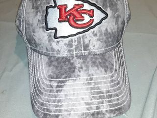 KC Chiefs S M Fitted Baseball Cap