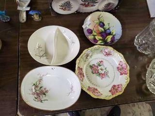 lot of 4 Decorative Plates