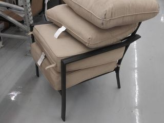 outdoor chair with 2 sets of cushions