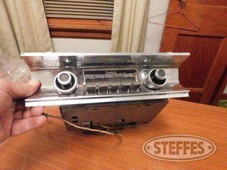 Sonomatic AM In Dash Radio For 1965 Buick 1 jpg