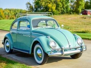 1961 Volkswagen Beetle Coupe & 1960 Cadillac Survivor Series 62