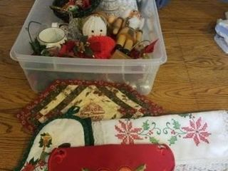 SMAll TOTE WITH NUMEROUS CHRISTMAS DECORATIONS