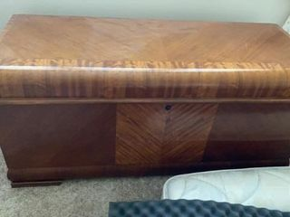 lANE HOPE CHEST WITH TRAY