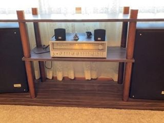 ZENITH STEREO STYTEM   RECEIVER AND 4 SPEAKERS
