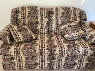 FlORAl lOVESEAT BY CHARlES SCHNEIDER   lIKE NEW