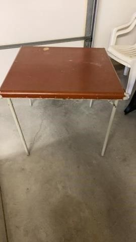 CARD TABlE WITH SOME WEAR AND TEAR  SAMSONITE