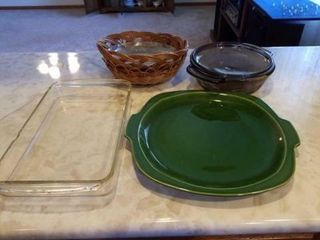 CASSEROlE DISH  lARGE GREEN PlATE  PYREX