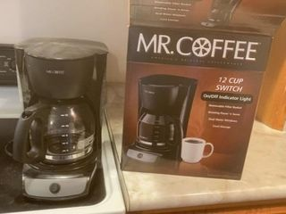 lIKE NEW MR COFFEE 12 CUP MAKER