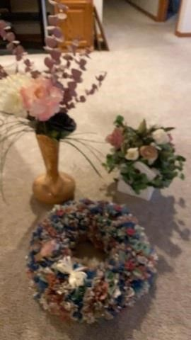 WREATH MASE WITH MATERIAl