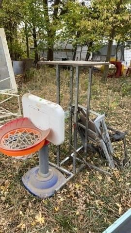 BASKETBAll HOOP AND METAl TABlE AND SAW HORSES