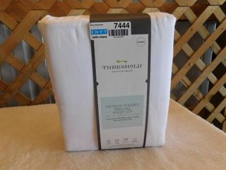 Threshold vintage washed Queen percale sheet set  200 thread count