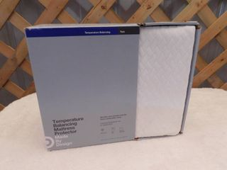 Made by design Temperature balancing Twin mattress protector 39inx75inx15in