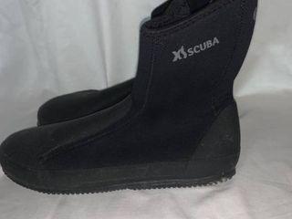 Size 10 Neoprene Scuba Shoes location C1