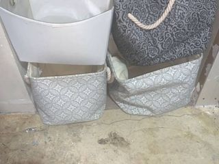 lot of 4 laundry Bags location A3