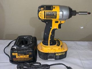 Dewalt DC825 18V Impact Driver With Battery and Charger Works