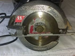 Nice 11 Amp Skil Skilsaw In Great Condition Tested And Working With Carrying Case