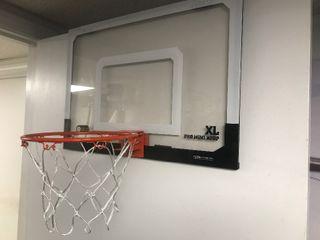 Nice heavy duty door basketball goal