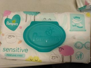 Pamper Sensitive Wipes