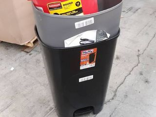 Misc Trashcans and bucket