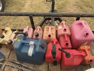 GAS DISEl CANS  ICE CHESTS  METAl TOOlBOX  POST H