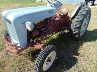 Ford Jubilee  3 pt hitch  pto