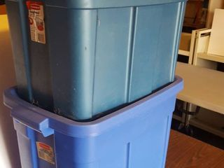 2   18 gal  Rubbermaid storage totes