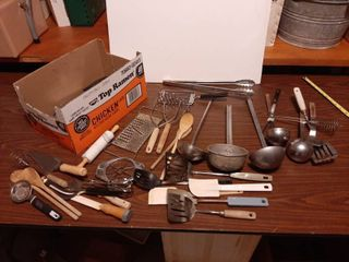 Assorted Kitchen Utensils