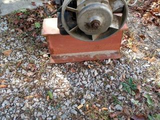 Maytag hit and miss motor