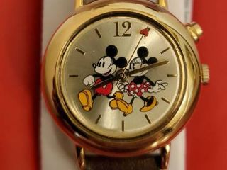 Disney Mickey and Mini Mouse Watch in Cute Vintage Case