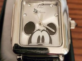 Chrome like Peeping Mickey Mouse Watch in Vernier Box