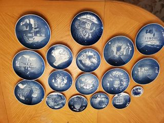 17 Piece Blue and White B   G Collectible Plates