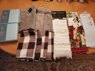 lot of New w Tags Towels and linens