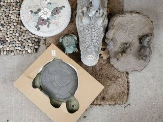 Animal Kingdom lot of Stepping Stones and Patio Decor