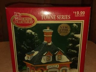 1998 Dickens Collectables Towne Series Bob s Chemist Porcelain lighted House