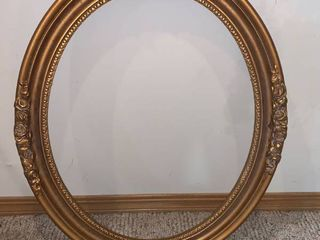 Antique Gilded Wood Oval Picture Frame location Wall