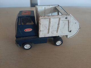 Metal Tonka Trash Truck