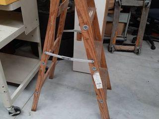 4 Ft Wooden ladder