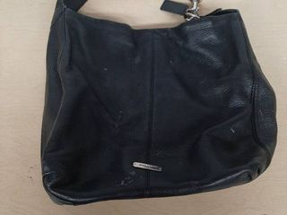 Black Coach Bag   Needs Cleaned  Some Pink Spots on 1 Side