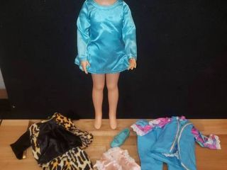 Crissy Doll w Extra Outfits