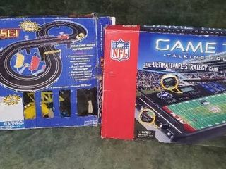NFl Game Time Talking Football Game   Road Race Set
