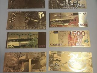 8  Foreign Gold Banknotes