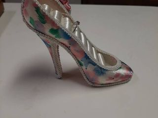 High Heel Ring Holder and Ring