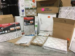 ASSORTED PAllET WITH MIXED AIR FIlTERS  SEE PICS