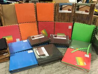 ASSORTED PAllET WITH MIXED ANTI FATIGUE MATS  SEE PICS
