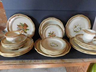 Oneida Stoneware Dish Set