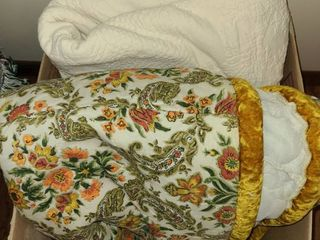 2 QUEEN Sized Bed Spreads
