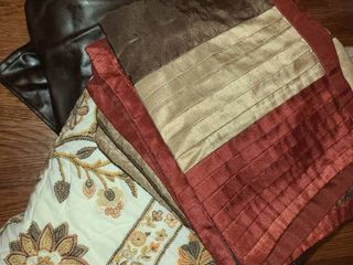QUEEN Sized Bedding  Comforter  Bed Skirt and some Pillow Shams