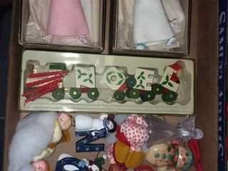 Various Vintage Christmas Decor