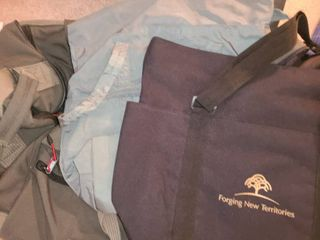 lIGGAGE  large Duffle Bag with Wheels and 2 bags