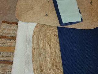 BATHROOM RUGS  6 Smaller Rugs 1 larger Rug and 2 Bath mats